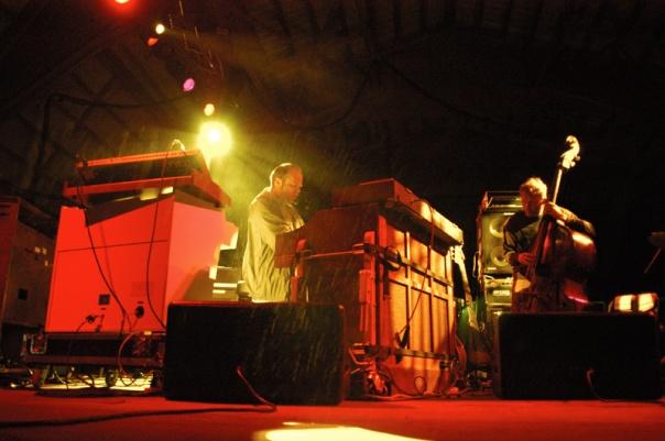 Medeski & Wood 2004-05-28 @Harmony Park Music Garden, Geneva, MN