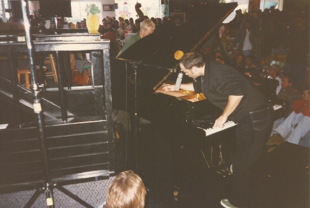 Medeski 1996-11-26 @Waterloo Records, Austin, TX